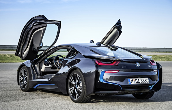 BMW i8 – The hybrid Supercar Launched in India, will rolling on Indian streets.