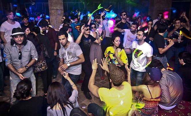 Just like Mumbai, Delhi too wants to party all night