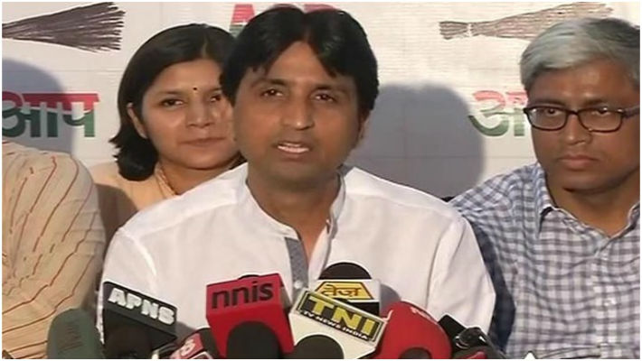 Kumar Vishwas' refusal to deny relationship rumours exposes dirty mindset