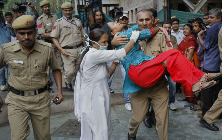 Delhi police has become an 'underprivileged lot' and we have never been more insensitive to their plight!