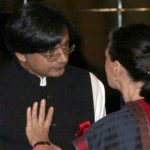 Sonia Gandhi yells at Shashi Tharoor for Oxford speech, Modi says good job! Tharoor in BJP someday?