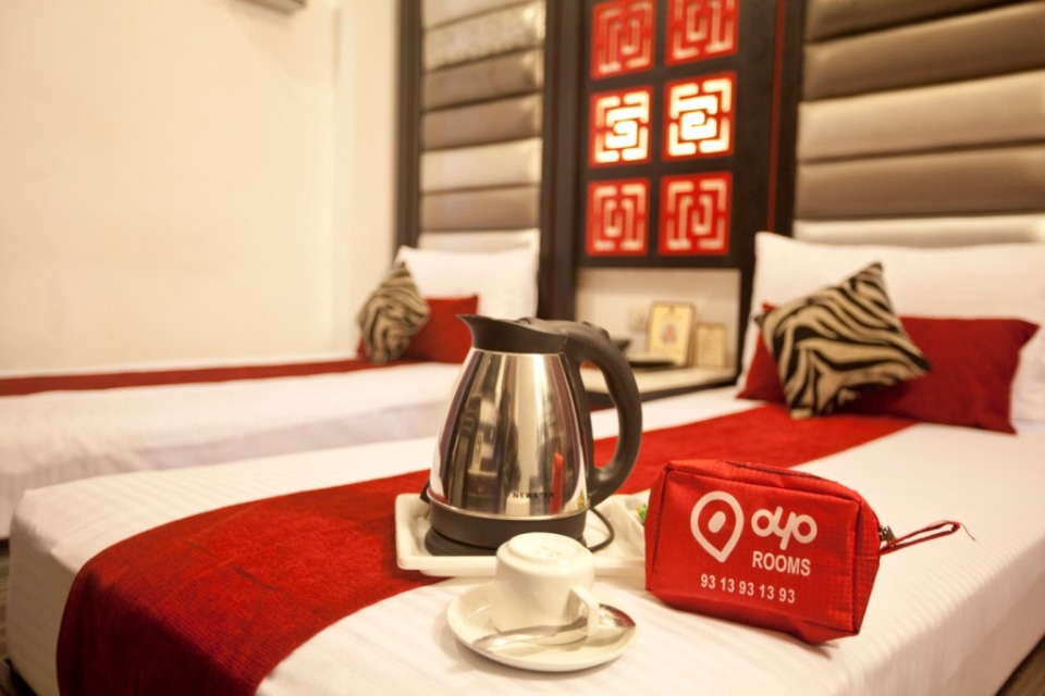 Oyo rooms have all the markings of a 'love hotel'. Notice the 'heart' in their logo?