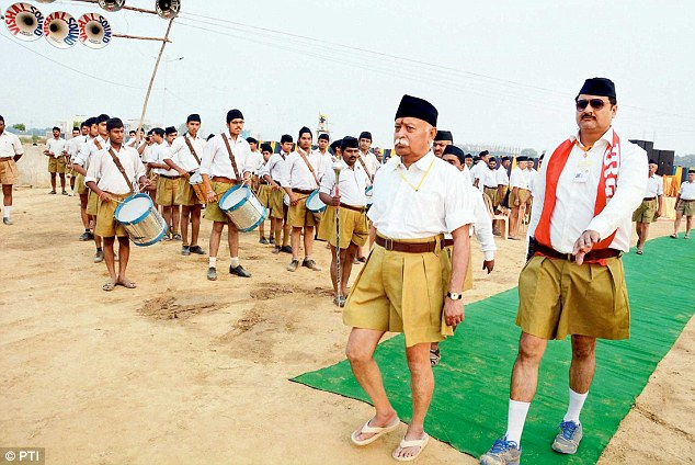 1415061074443_wps_1_Agra_RSS_chief_Mohan_Bhag