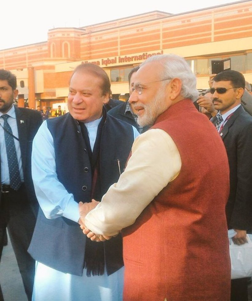 modi dropped by to say happy birthday to sharif not to hand m3