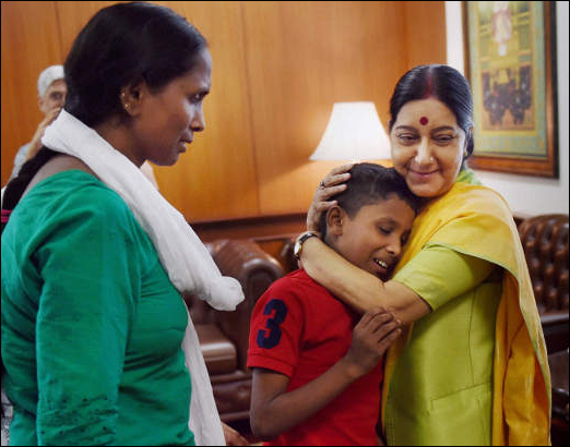 Sushma Swaraj welcomes Sonu, the abducted Indian boy