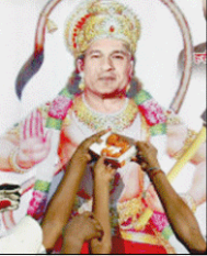 Temples of the living – Are Narendra Modi, Sachin Tendulkar and Amitabh Bachchan GODs?