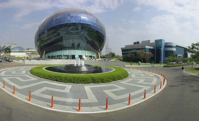 infosys, employees, campus