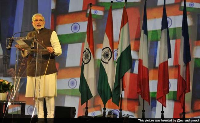 pm-modi-addresses-indian-diaspora-in-france_650x400_51428810500