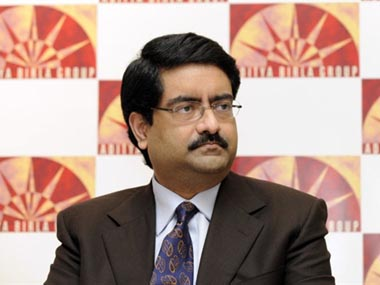 Aditya Birla Group Chairman Kumar Mangalam Birla gives a press conference in Mumbai on October 6, 2009. The board of UltraTech Cement, part of the conglomerate Aditya Birla group, met October 6 to consider a proposed consolidation with the cement business of group subsidiary Samruddhi Cement. India is the second largest cement market in the world, but its per capita consumption is one-eighth of China's. AFP PHOTO/ Sajjad HUSSAIN