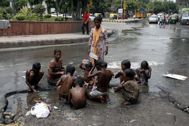 Delhi roads plagued with abandoned street children! Delhi CM Arvind Kejriwal must make a difference…