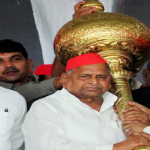 Akhilesh Yadav should no longer tolerate undue dominance of his uncles. Cut  cords if need be for Uttar Pradesh's interest!