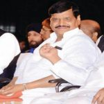 Instead of resenting, Akhilesh should embrace Shivpal and Amar Singh. They offer experience, strength and hope